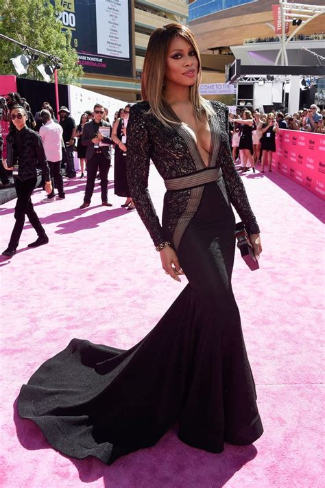 The Hottest Red Carpet Looks From the Billboard Music