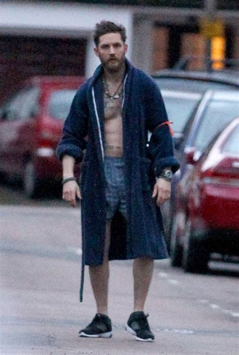 Tom Hardy runs in his underwear for Stand Up To Cancer