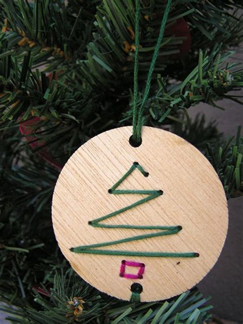 17 Most Simple & Beautiful DIY Christmas Decorations That